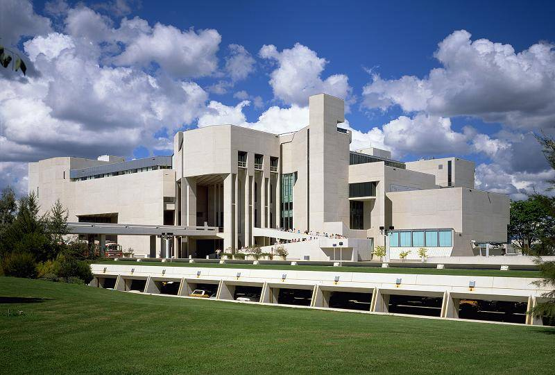 national art gallery canberra history
